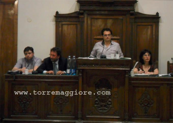 Consiglio Comunale Torremaggiore 2012 - Sindaco Di Iorio (UdC), vice-sindaco Quaranta (PD) e Prencipe - Presidente del Consiglio Comunale - www.torremaggiore.com
