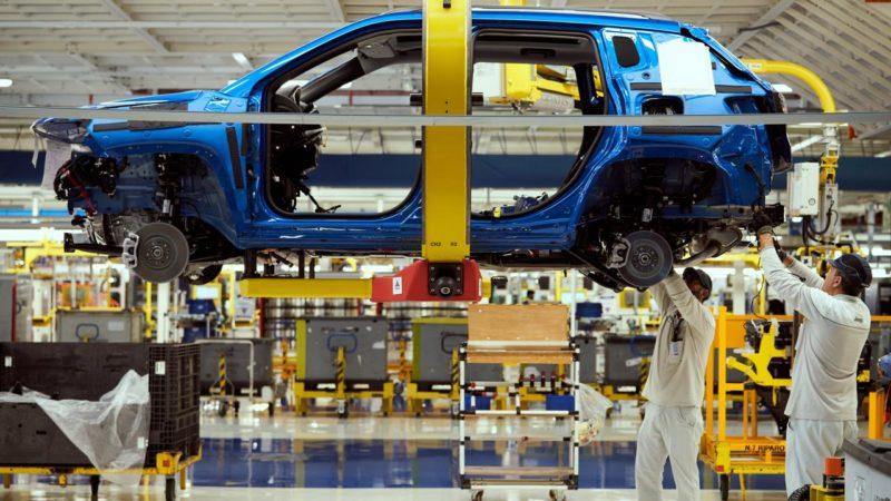 Il marchio Jeep ha omaggiato con tre video la ripresa dell'attività produttiva nello stabilimento di Melfi