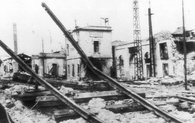 FOGGIA SOTTO LE BOMBE: CORREVA L'ANNO 1943.