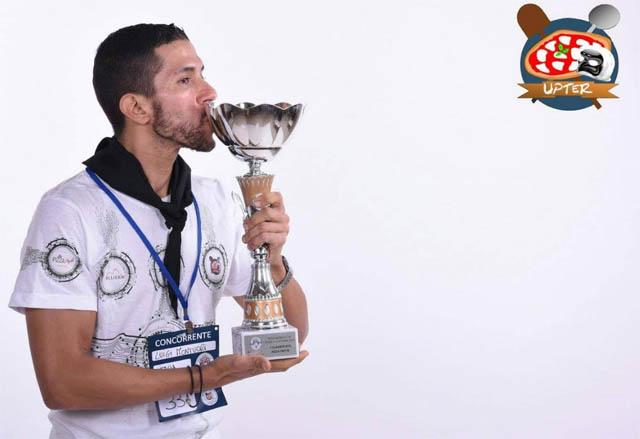 PRIMO POSTO PER IL PIAZZOLO DI LUCERA LUIGI MONTUORI AL PIZZA WORLD CUP 2018 : È LUI IL  CAMPIONE DEL MONDO DI  PIZZA FRITTA