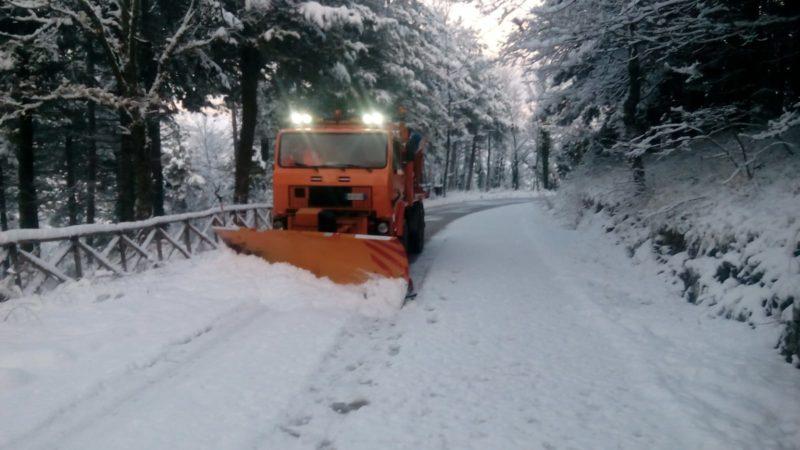 Emergenza neve in Capitanata: attivato piano anti neve dalla Provincia di Foggia con mezzi spalaneve e spargisale