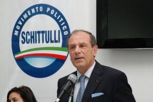 """Francesco Schittulli in visita all'Ospedale """"Tatarella"""" di Cerignola (Fg) il 2 dicembre 2014"""